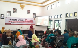 Sosialisasi Aplikasi LAPOR! di Kelurahan Landasan Ulin Utara